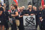 Reszta nie jest milczeniem – Czarny Protest na Placu Wolności