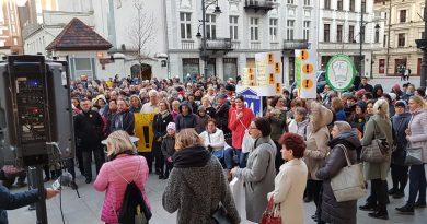 O strajku nauczycieli i komitetach obywatelskich….