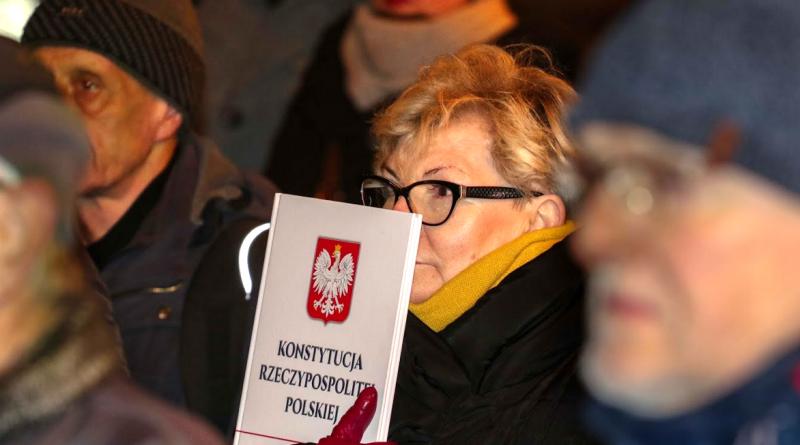Kneblowanie sądów = rozwód z Europą / protest w Łodzi